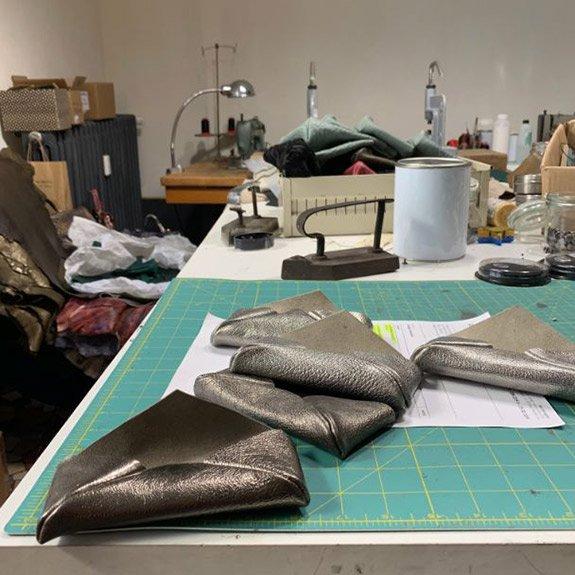 lavorazione borse artigianali - Langhuorino