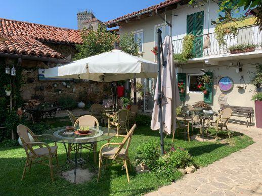 ristorante con giardino panoramico langhe