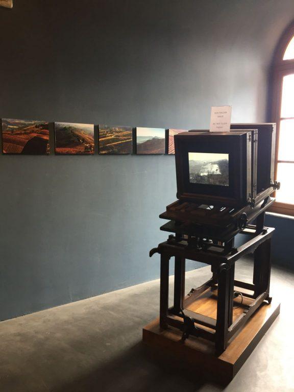 sala fotografia museo del vino barolo