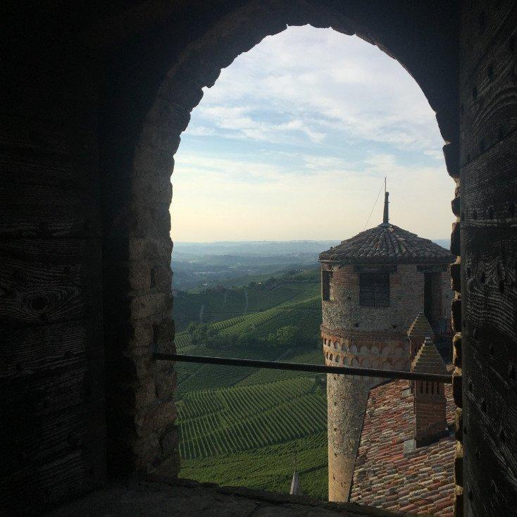 castello di serralunga vista